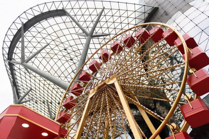 Cartier Ferris Wheel for ION Orchard Christmas Park (4)