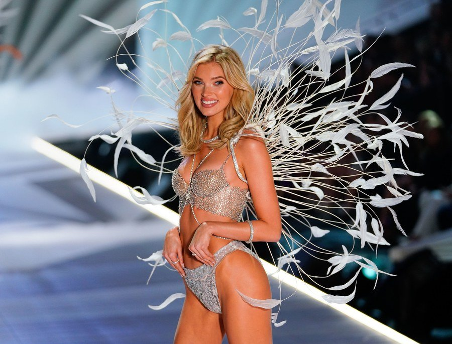 Costing $1 million and studded with 71 carats of jewels this is the 2018 Victoria's Secret Fantasy Bra -