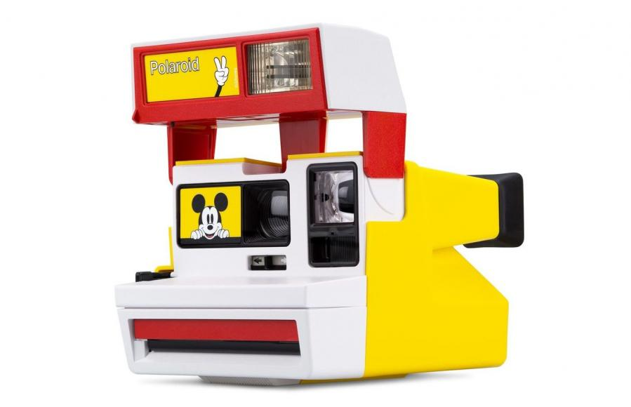 mickey-600-polaroid-camera-004895-angle_1024x1024