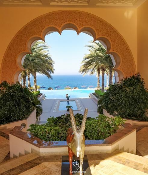 shangrila-al-husn-view-of-pool