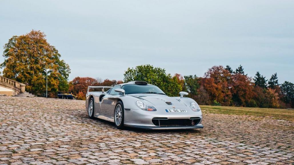 3 Porsche GT1 Strassenversion