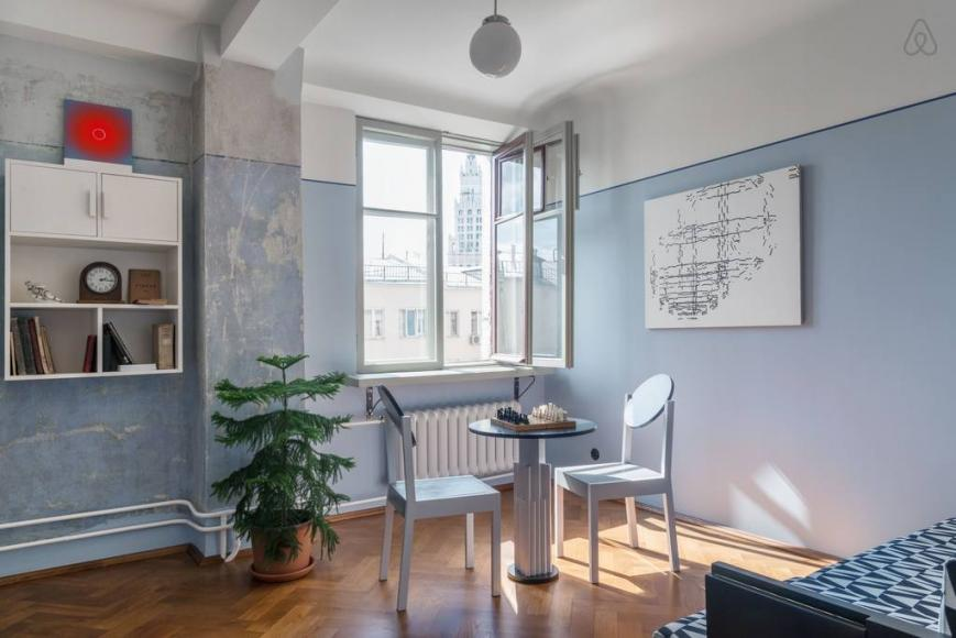 Airbnb restored Soviet-era apartment (1)