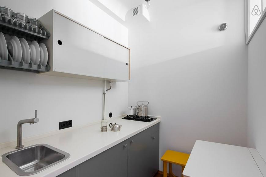 Airbnb restored Soviet-era apartment (5)