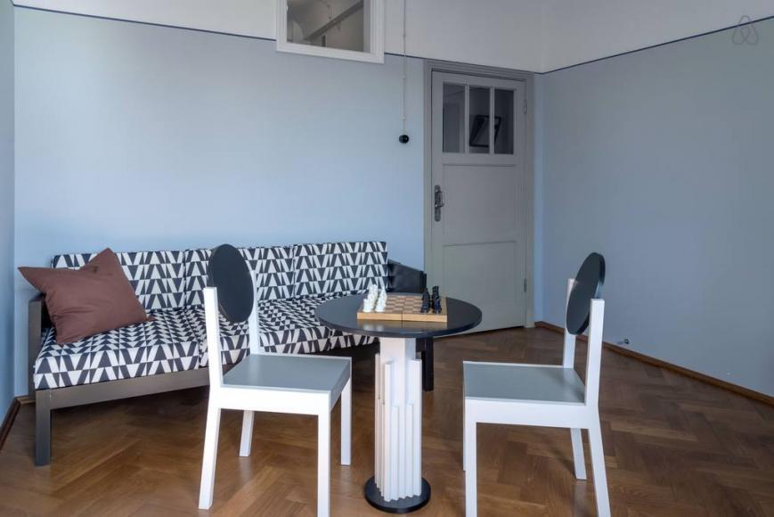 Airbnb restored Soviet-era apartment (6)