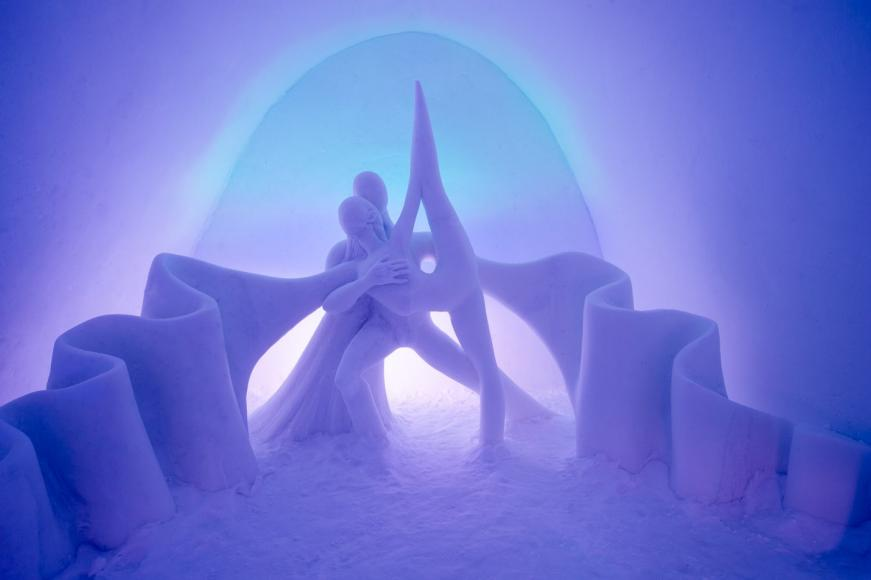 Art-Suite-Dancing-Auroras-ICEHOTEL-29-1400x932