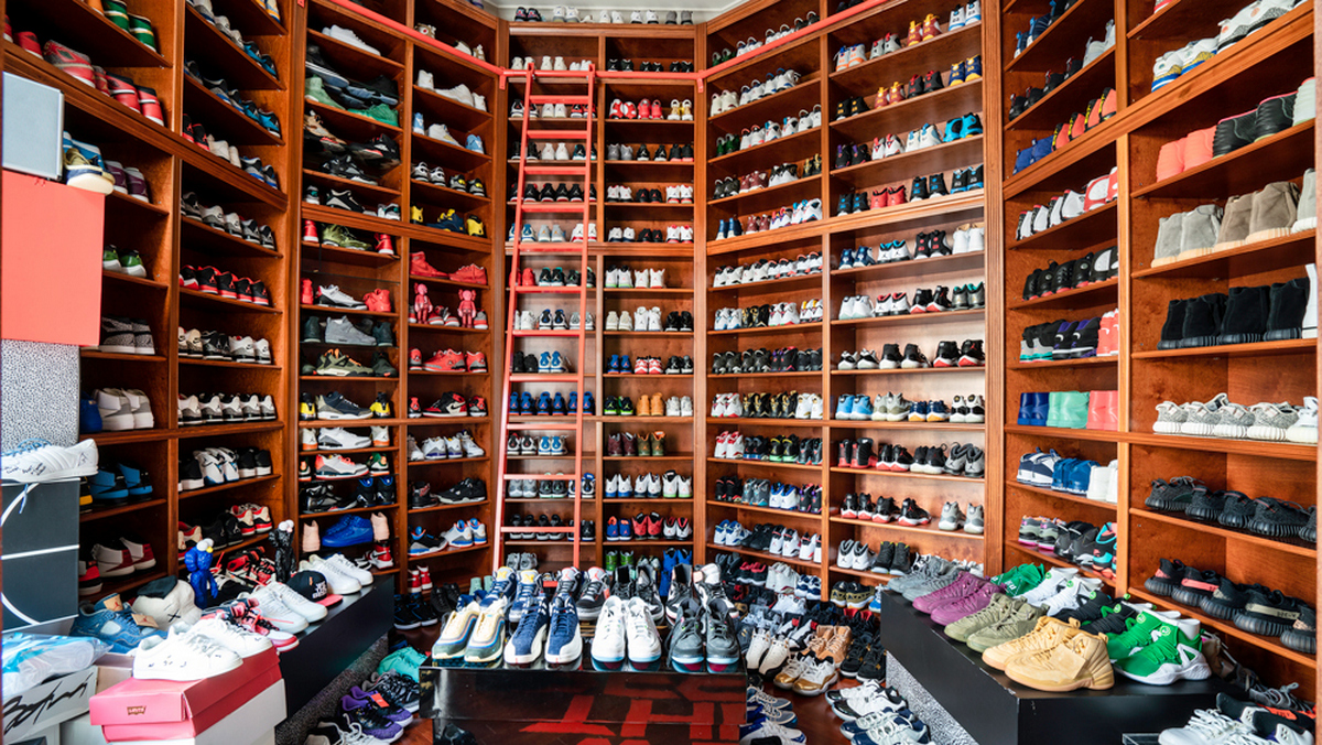 Dj Khaled S Miami Mansion Has An Insanely Large Sneaker