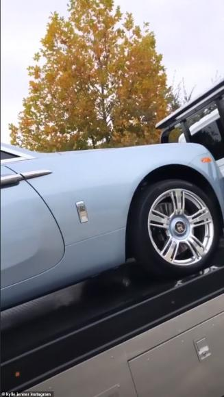 Car Transport Reviews >> Kylie Jenner's customised icy blue Rolls-Royce Wraith set ...