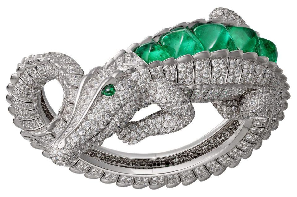 Risultati immagini per Inspired by Mexican actress, Cartier designs a four-piece ultra-luxe jewelry collection foto