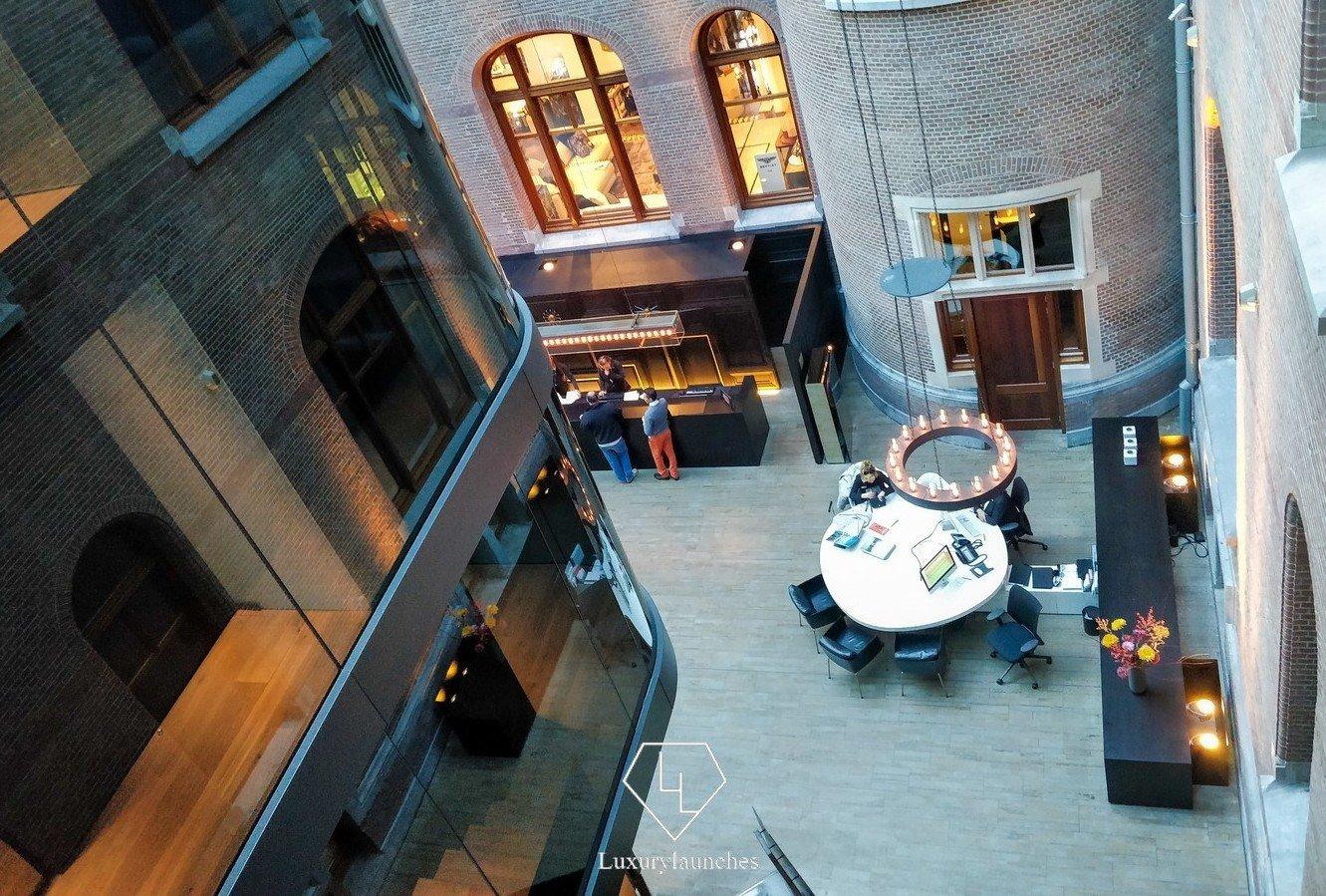 conservatorium-hotel-concierge.jpg (1331×899)