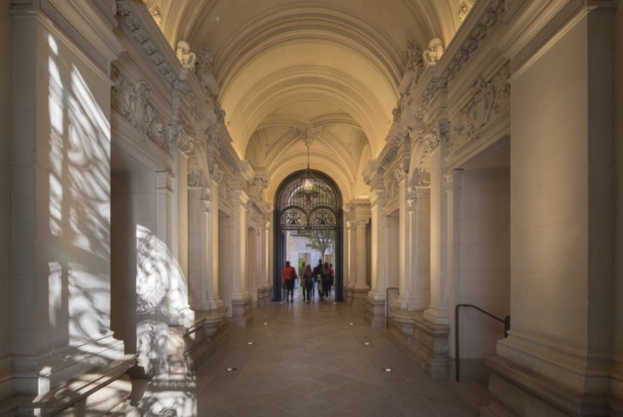 Apple-Champs-Elysees-2.jpg (889×596)