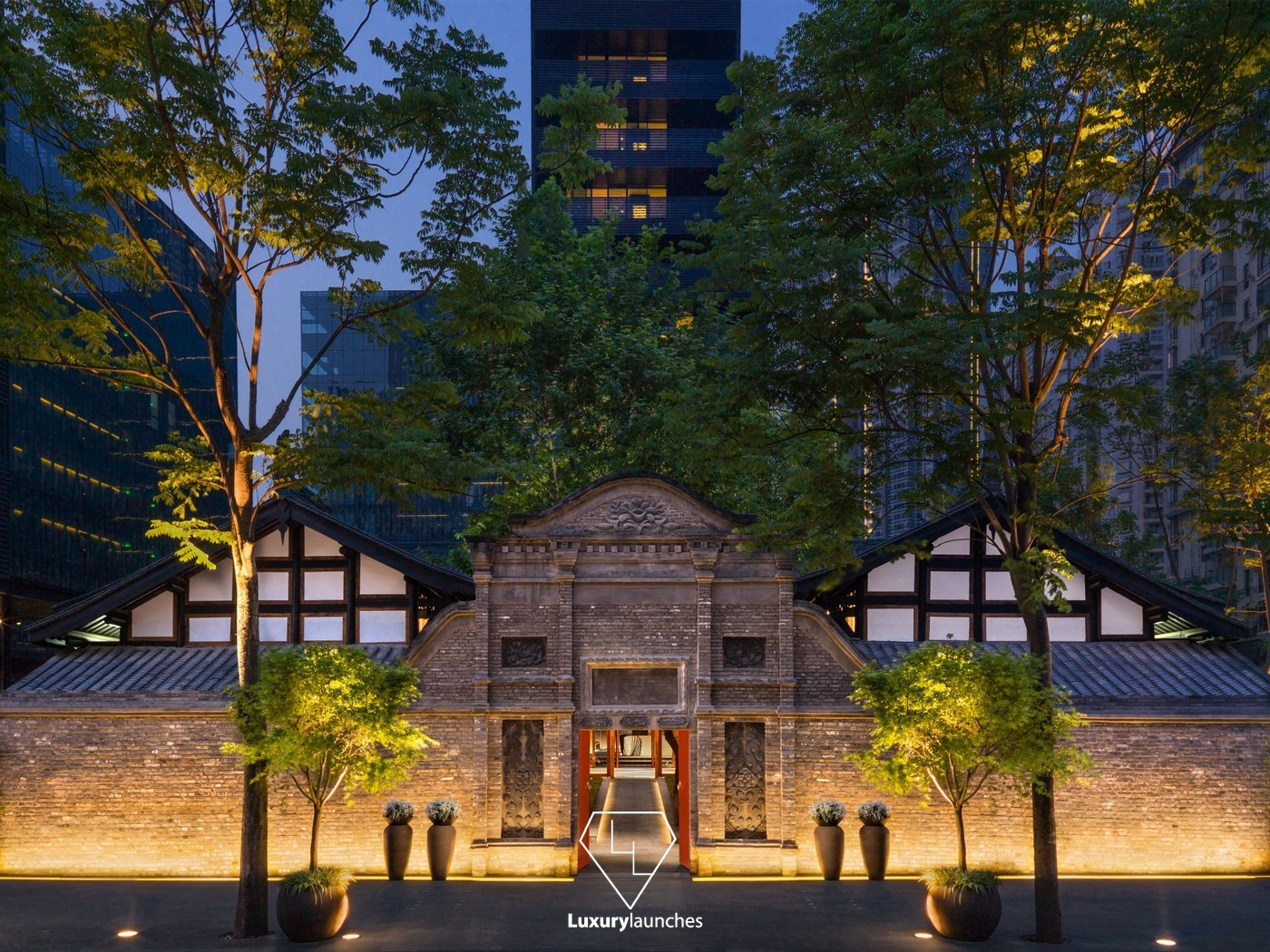 Suite of the Week: The sophisticated Deluxe Courtyard Suite at The Temple House, Chengdu -