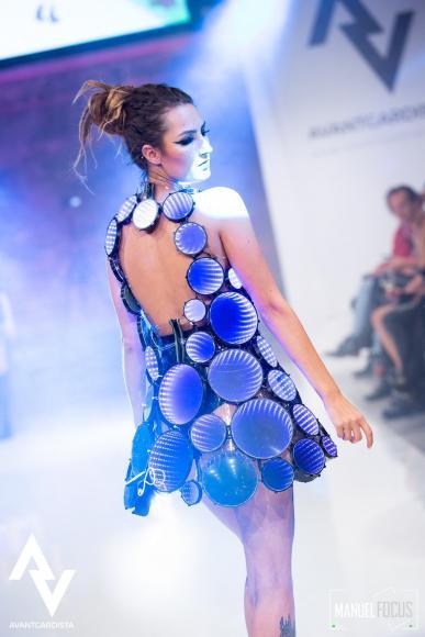 eccentric LED dress (2)