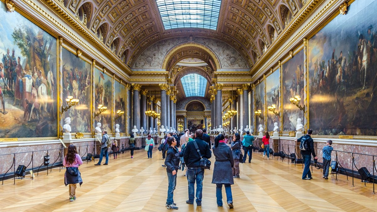 You can now buy a private tour of the Louvre Museum in Paris for ...