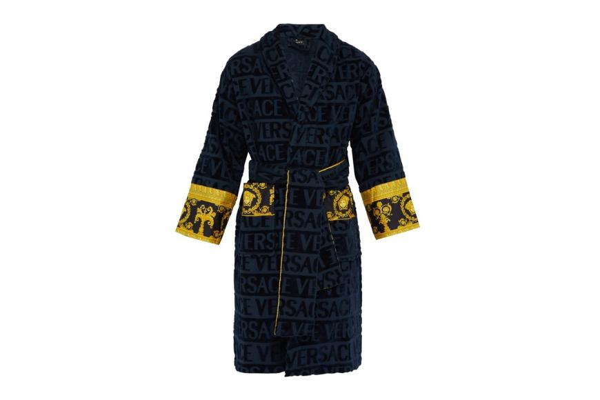 I love Baroque bathrobes by Versace (3)