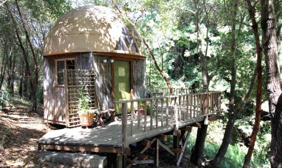 Most-Popular-Airbnb-Mushroom-Dome-Cabin-13-1020x610
