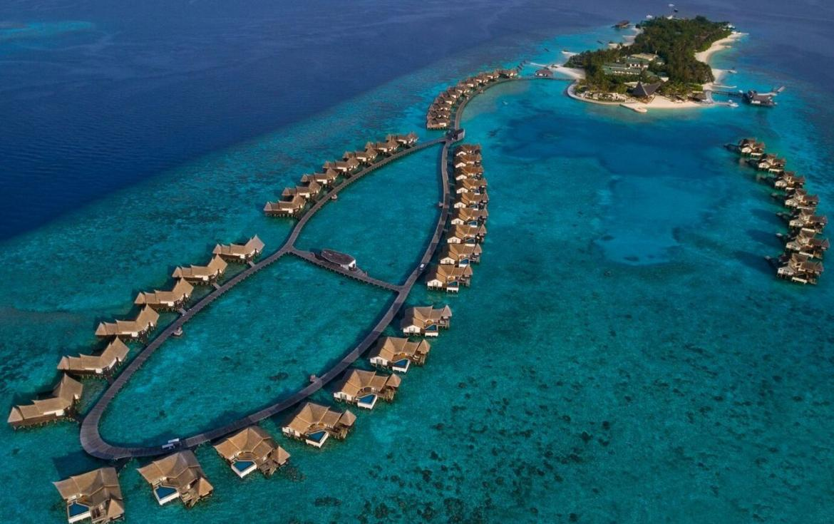 This resort in the Maldives is offering a $500,000 dining experience -