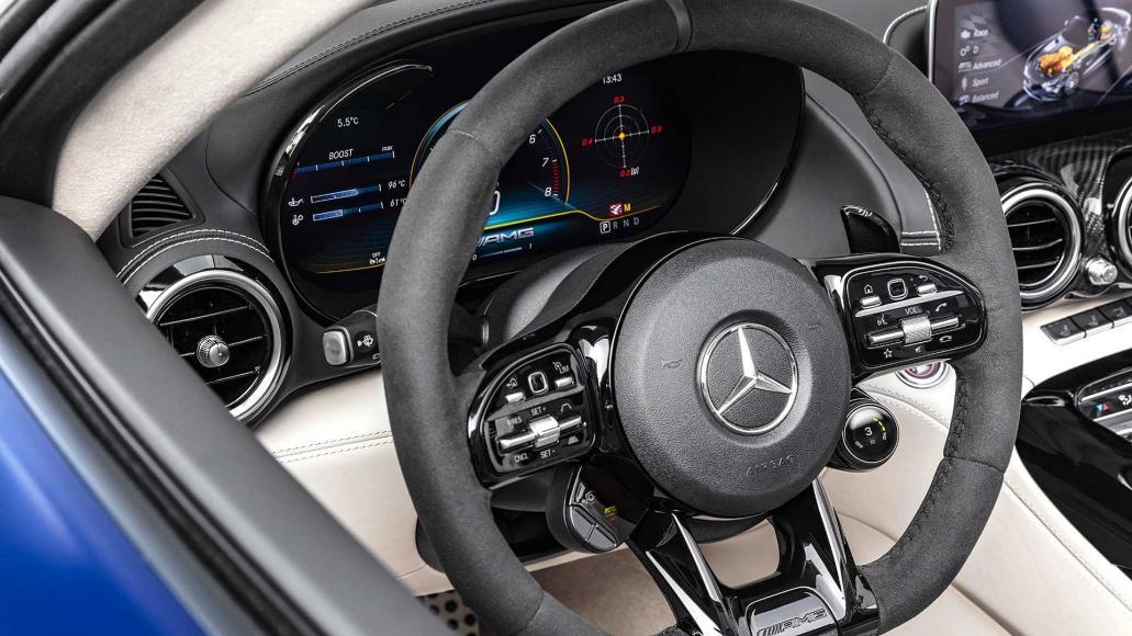 mercedes-amg-gtr-roadster-2019 (6)