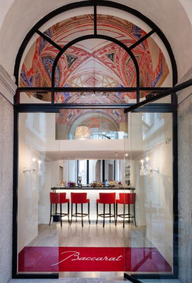 01_baccarat_montenapoleone_boutique_bbar_lounge