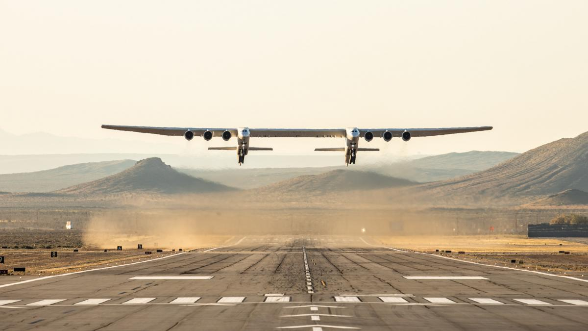 World's Largest Aircraft Completes Test Flight ...