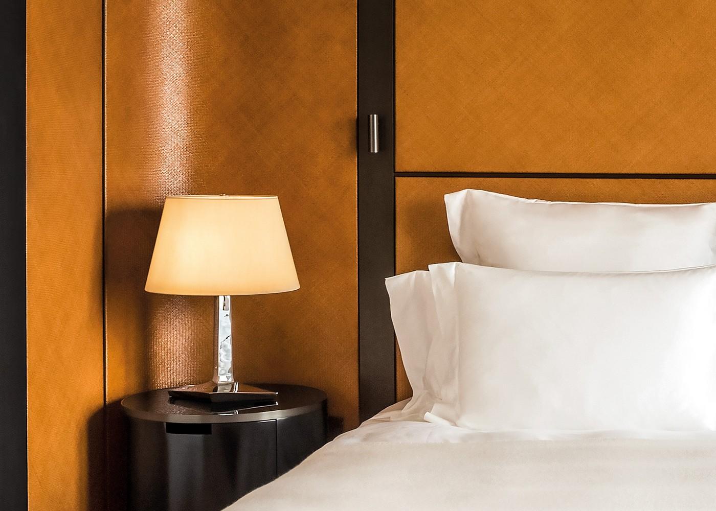 Room-Detail-1.jpg (1400×1000)