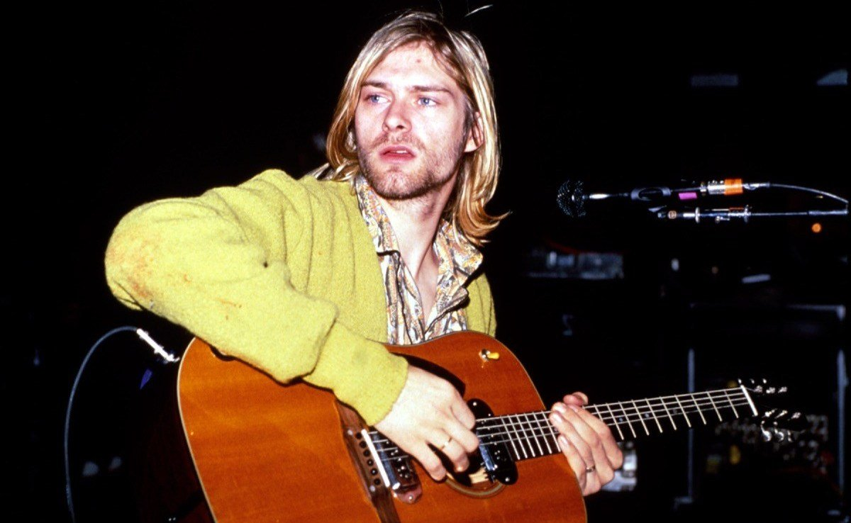 Kurt Cobain's used pizza plate with handwritten setlist sells for a whopping $22,000