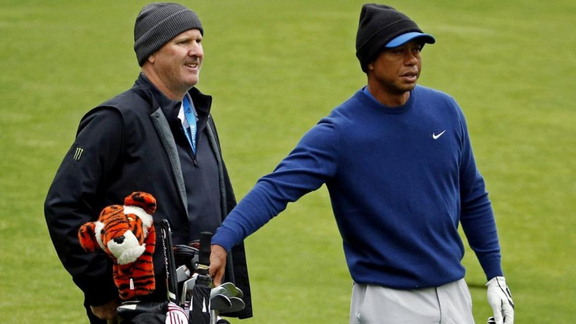 Man pays a whopping $75,000 to be Tiger Woods' caddie for one day -