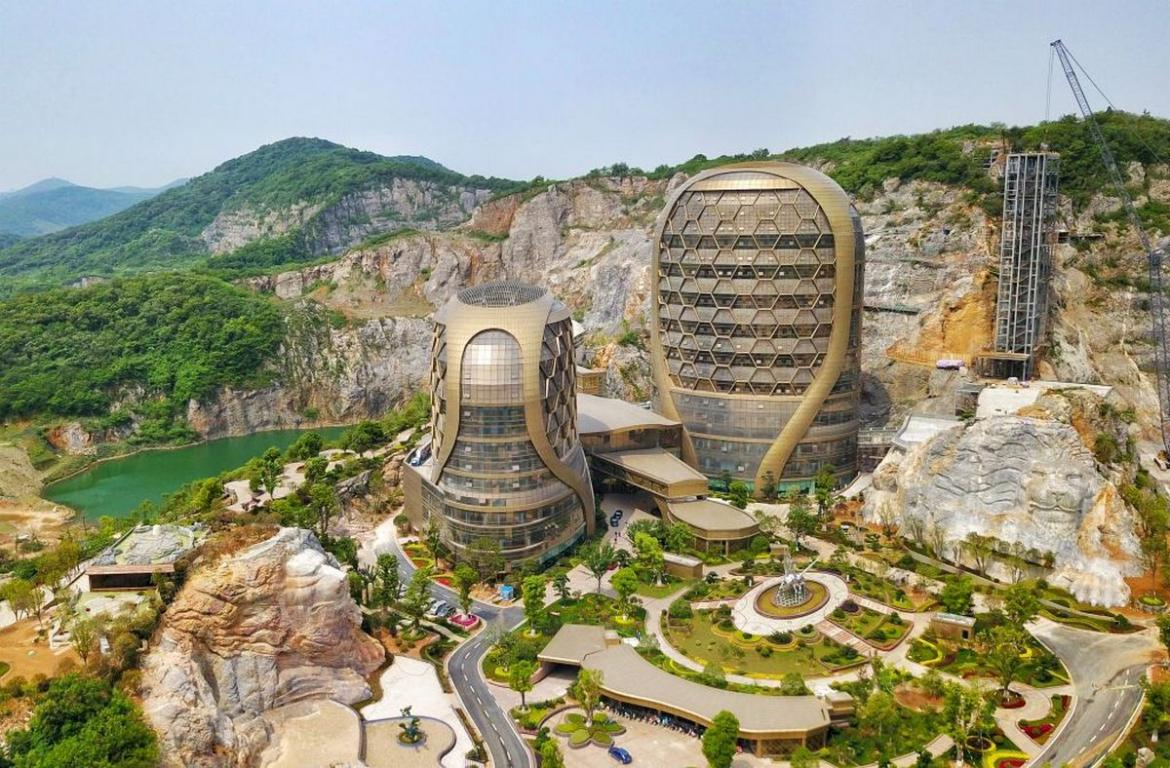 Pics - China's incredible honeycomb hotel is something you would have never seen before -
