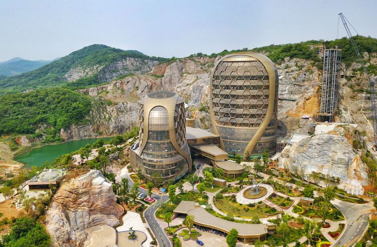 These mind blowing structures in China will make your jaw drop in awe