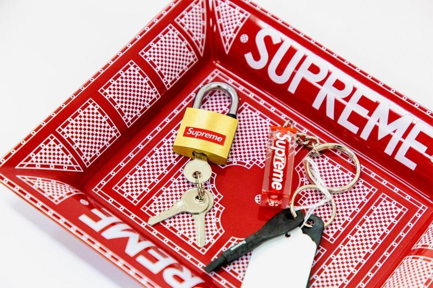 sothebys-supreme-accessories (3)