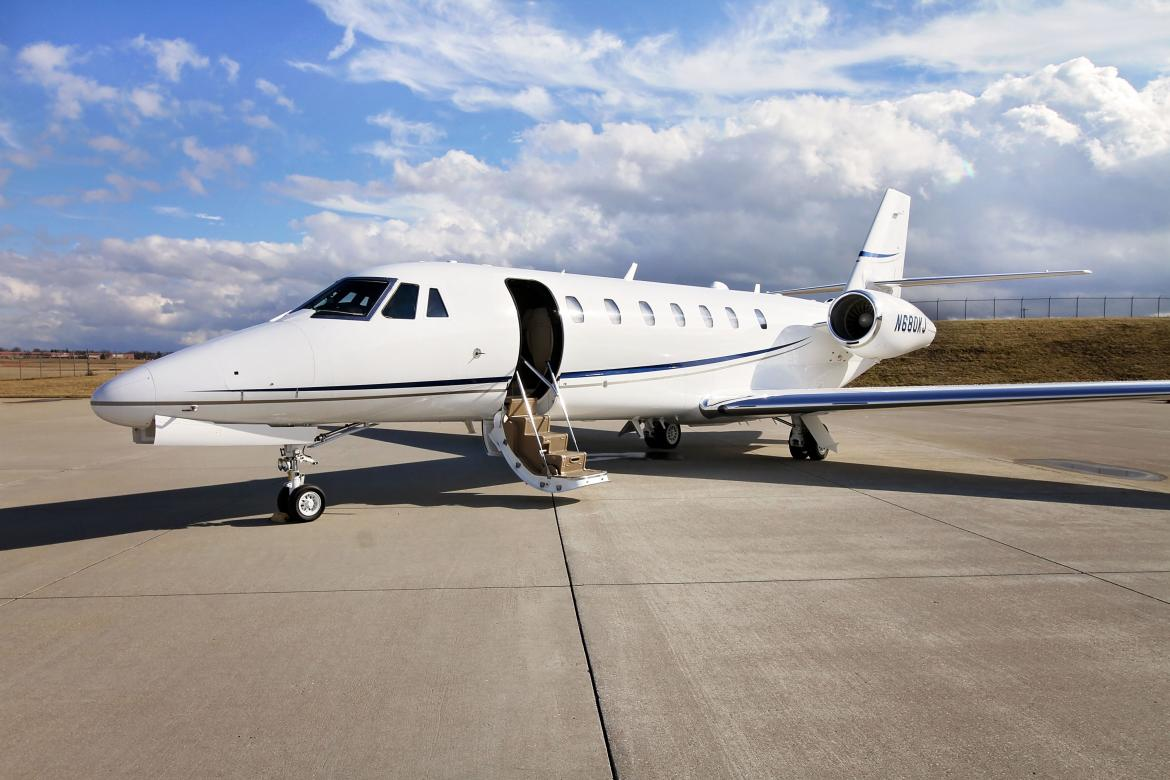 Quora answers - What is it to fly in a private jet? -