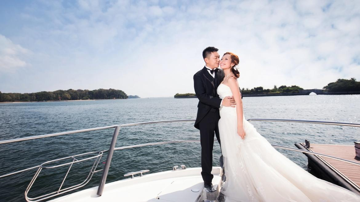 Wedding on a Yacht: the Benefits and Checklist -