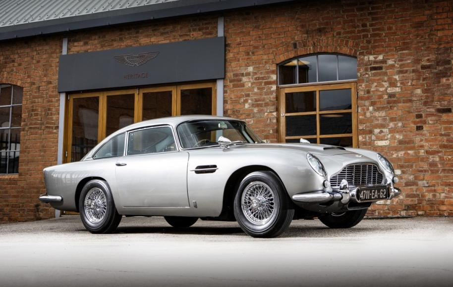 james-bonds-1965-aston-martin-db5-goldfinger-auction (1)