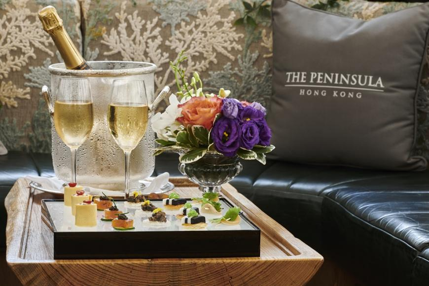 Canapés with Champagne