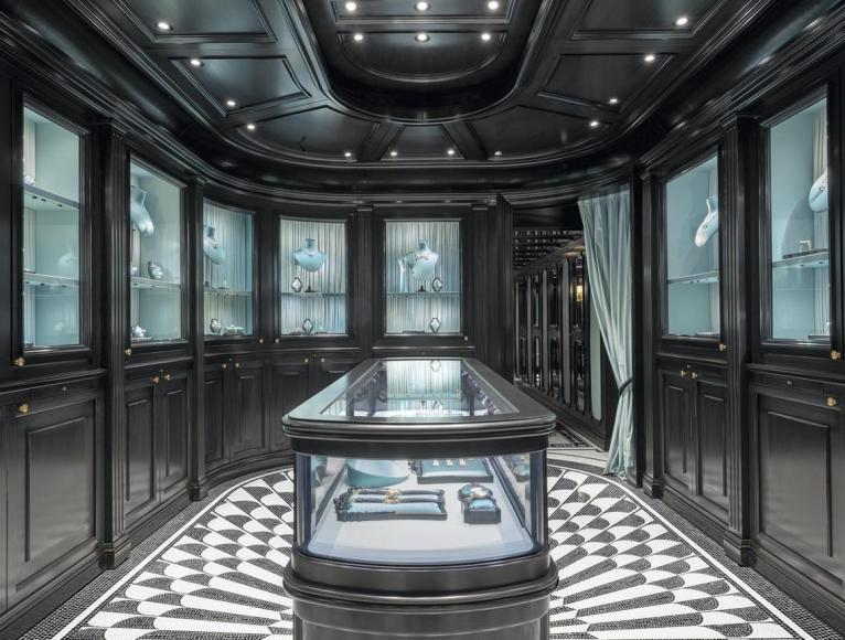 Gucci first-ever high-end jewellery boutique (2)
