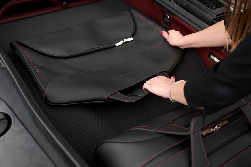 McLaren GT - luggage (3)