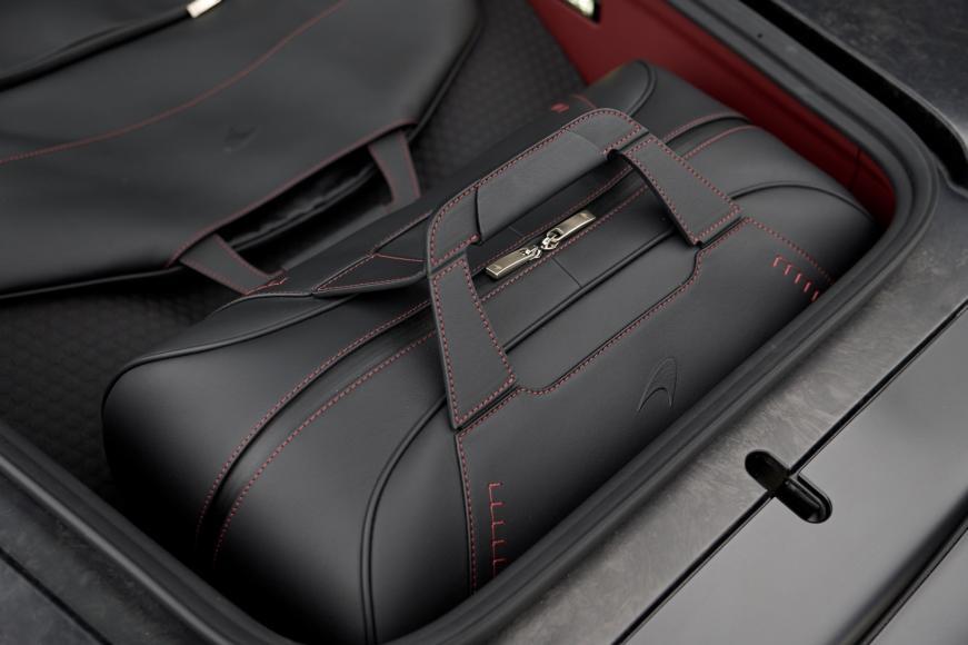 McLaren GT - luggage (4)