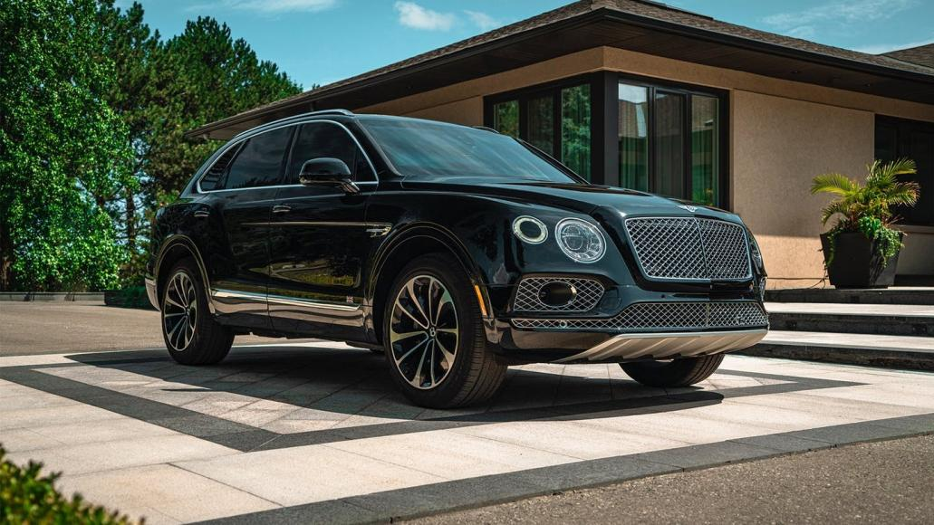 The world's first bulletproof Bentley Bentayga can stop AK47 rounds and comes with smokescreen and shocking handles -