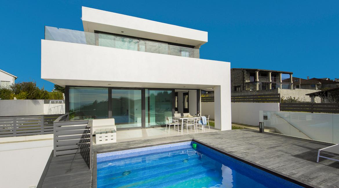 Find the perfect luxury rental in Galicia, Spain -