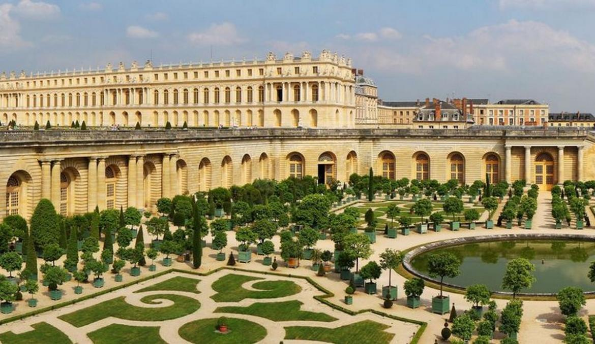 Luxury redefined: Guests will get a chance to live in a luxury hotel inside The Palace of Versailles -
