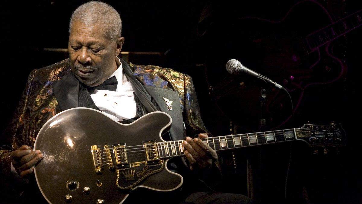Legendary American guitarist B.B King's 80th birthday guitar goes under the hammer for a whopping $280,000