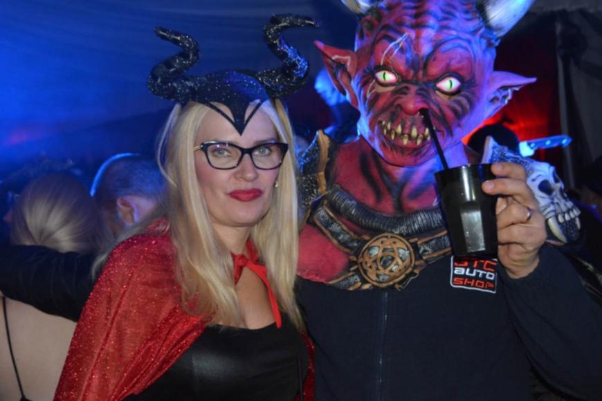 draculas-castle-halloween-party (2)