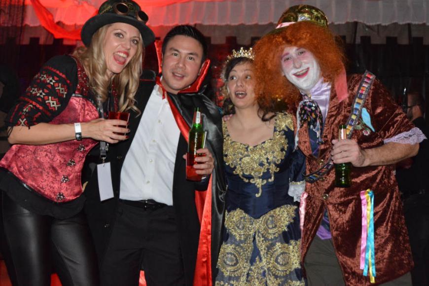 draculas-castle-halloween-party (4)