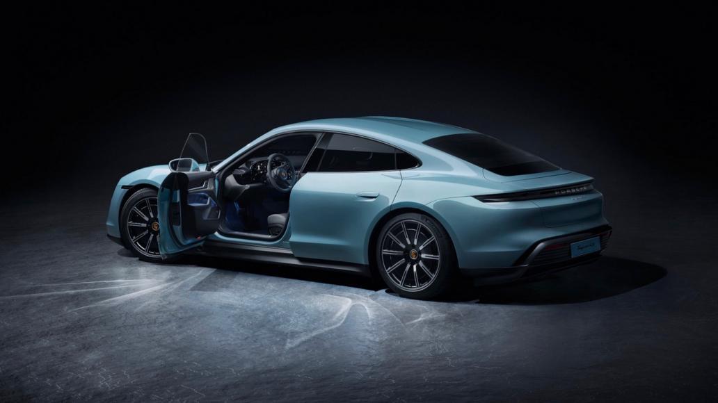 Porsche Taycan 4S (2)