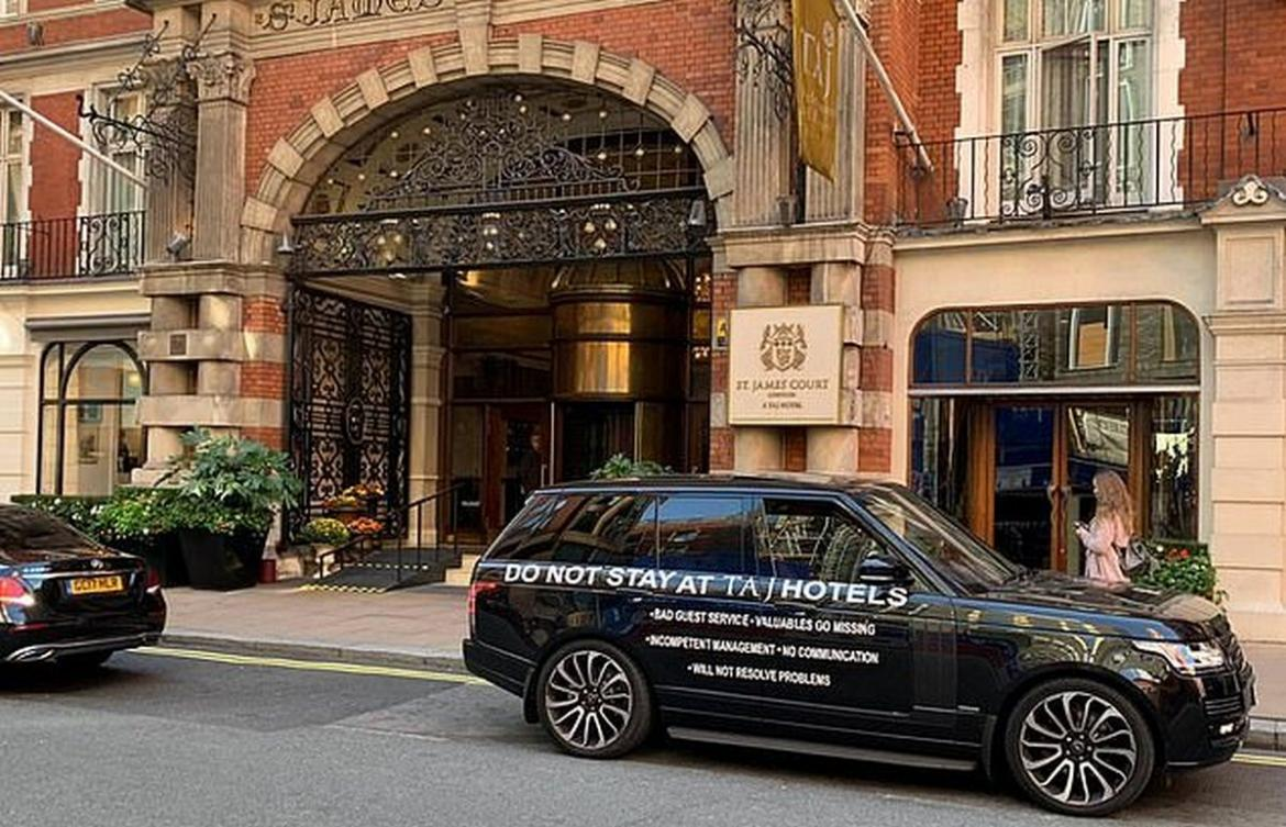A very unhappy guest of a luxury hotel in London smears his Range Rover with a list of complaints and parks it right outside that hotel -