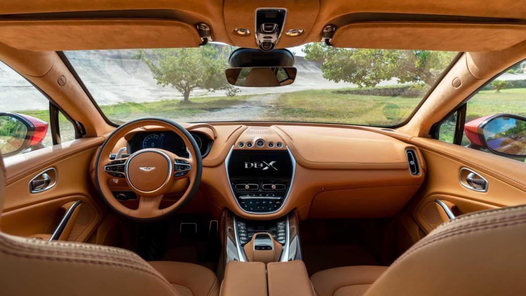 Aston-Martin-DBX (2)