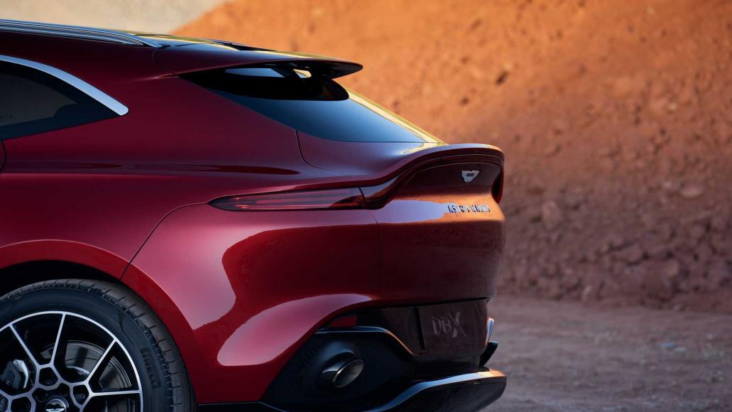 Aston-Martin-DBX (3)