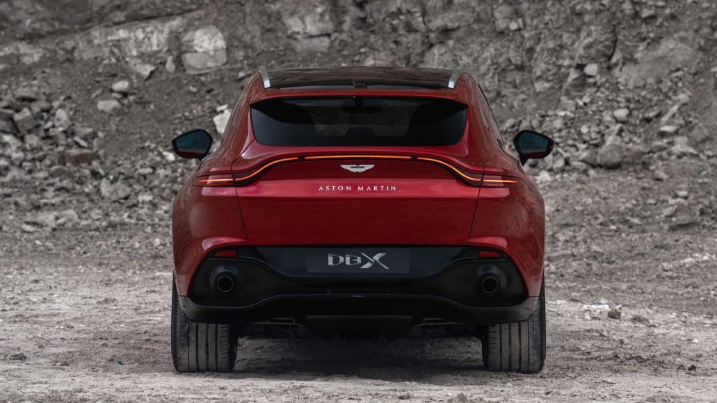 Aston-Martin-DBX (4)
