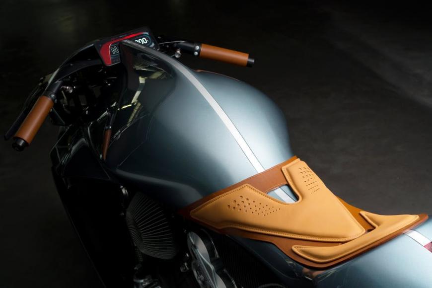 aston-martin-superbike (3)