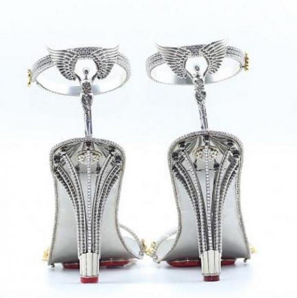 gold stilettos studded with diamonds (3)