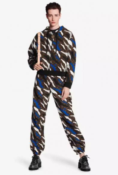 High-end-Louis-Vuitton-x-League-of-Legends-leather-jacket-4-393x580.jpg (393×580)